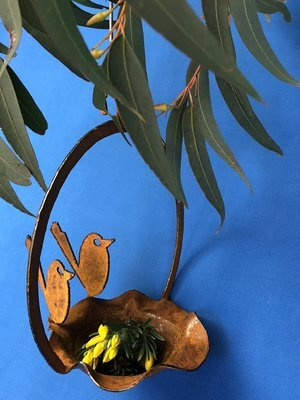 2 x Baby Wrens Birdfeeder rusty