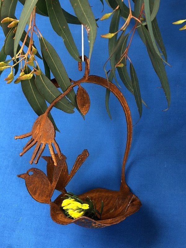 2 x baby wren + gumflower Birdfeeder