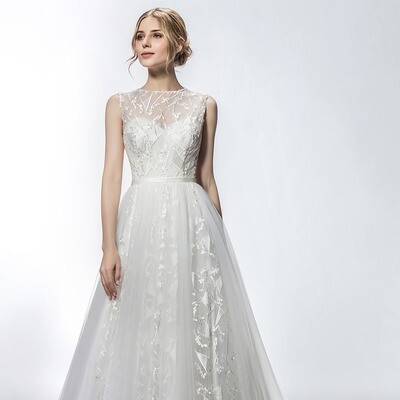 SWEETHEART NECKLINE GRAPHIC LACE & TULLE GOWN
