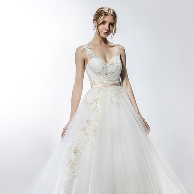 SWEETHEART NECKLINE LACE APPLIQUE GOWN