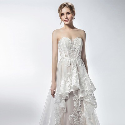 CHAMPAGNE SWEETHEART NECKLINE LACE BOHEMIA GOWN