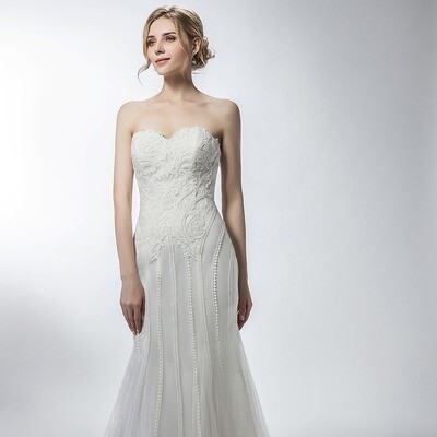 SWEETHEART NECKLINE VINTAGE LACE & TULLE MERMAID GOWN