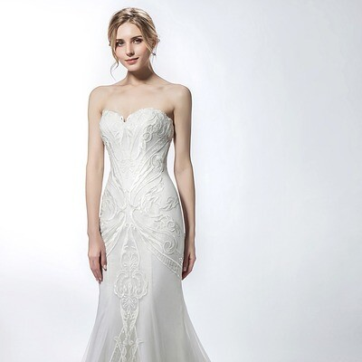 SWEETHEART NECKLINE LACE LACE OVERLAY TRUMPET GOWN