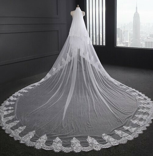 LACE EDGE CATHEDRAL VEIL WITH BLUSHER