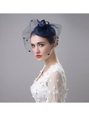 PETITE NAVY HAT WITH FEATHERS AND LARGE DOTTED VEIL
