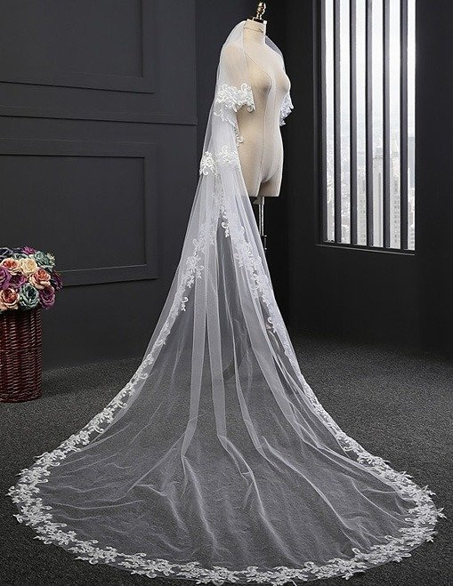TWO LAYERED TULLE FULL LENGTH VEIL WITH LACE EDGE