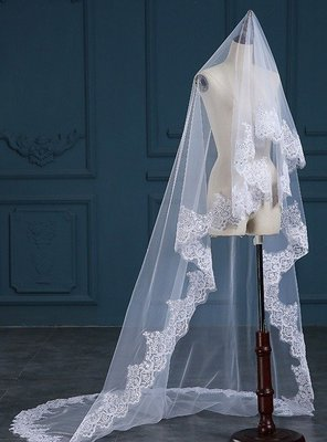 ONE LAYERED FULL LENGTH CIRCLE DROP VEIL WITH SEQUIN LACE EDGE