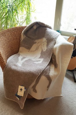 Jaquard Horse 0101 - Wool Blanket/Throw
