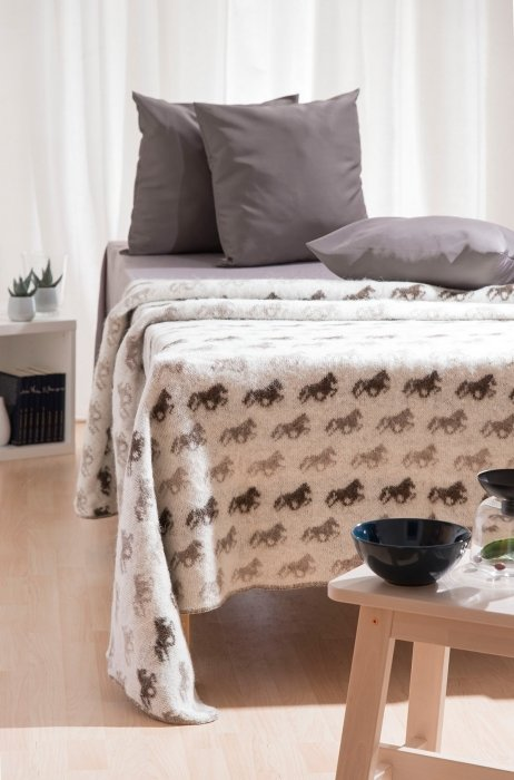 Wool Blanket/Throw - Icelandic Horse - Beige