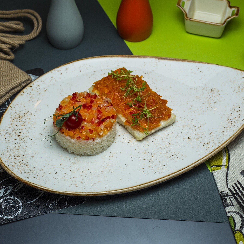 Филе трески под маринадом  с рисом и овощами
