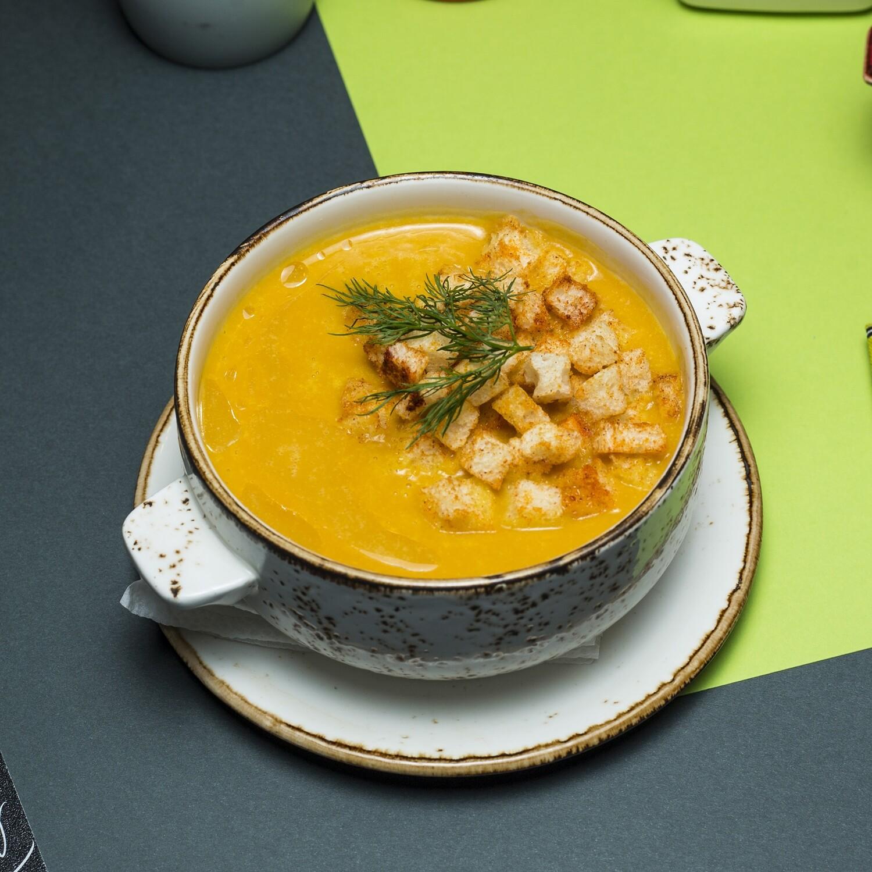 Крем суп тыквенный с сухариками