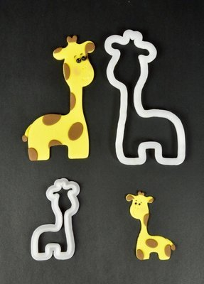 FMM Mummy & Baby Giraffe Cutters
