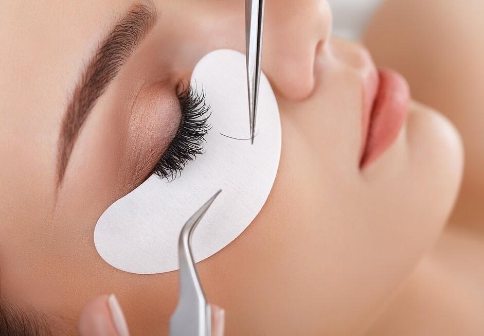 Classic, Bottom & Volume Eyelash Extension Training