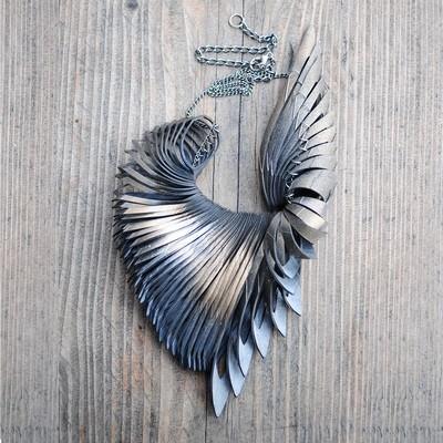 BIRD kaulakoru