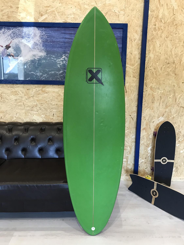 Shortboard Xtreme Retrovni 5'10 (PU CORE)