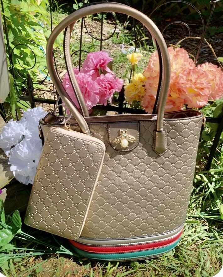 Bronze Colored Bumble Bee Tote Package