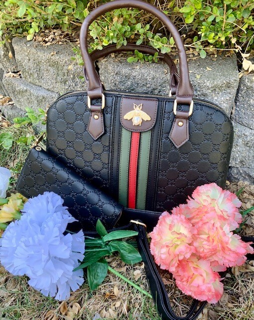 Black Purse with Free Wallet!