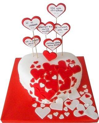 Herz Figur Torte