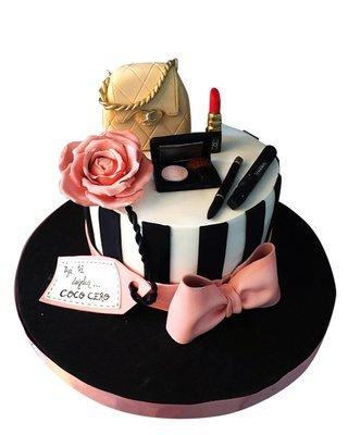 Kosmetic Figur Torte