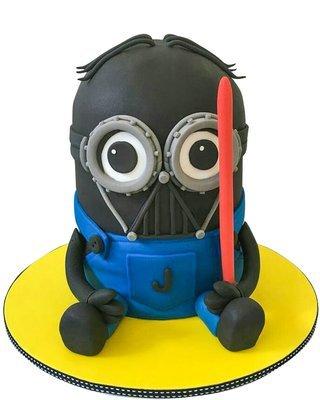 Minion Figur Torte