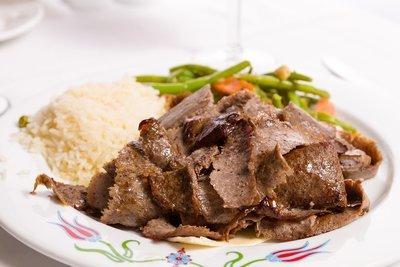 Dönerteller Kalb (mit Reis & Salat)