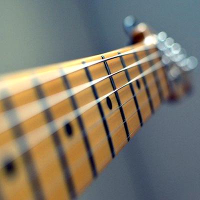 Electric Nickel Plated Guitar Value Strings (Gauge .009 - .042) + Free Guitar Picks
