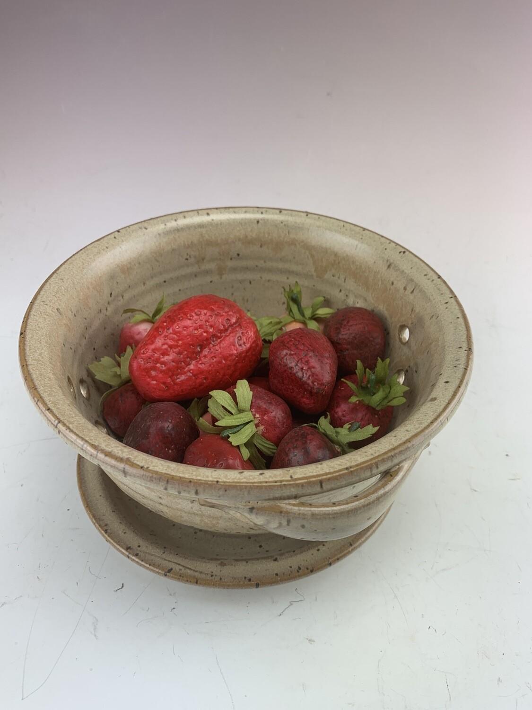 Berry Bowl/Sand