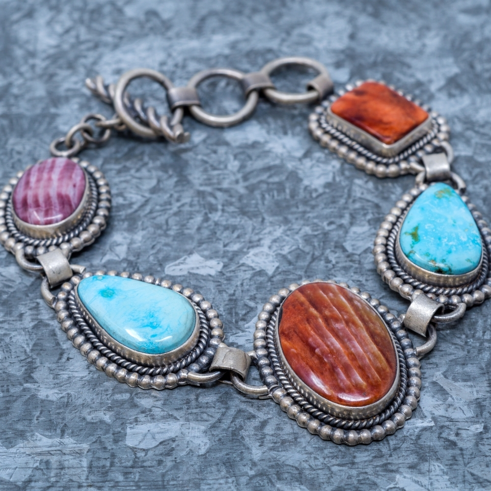 Turquoise Mountain & Spiny Oyster Link Bracelet by Elgin Tom JE190054