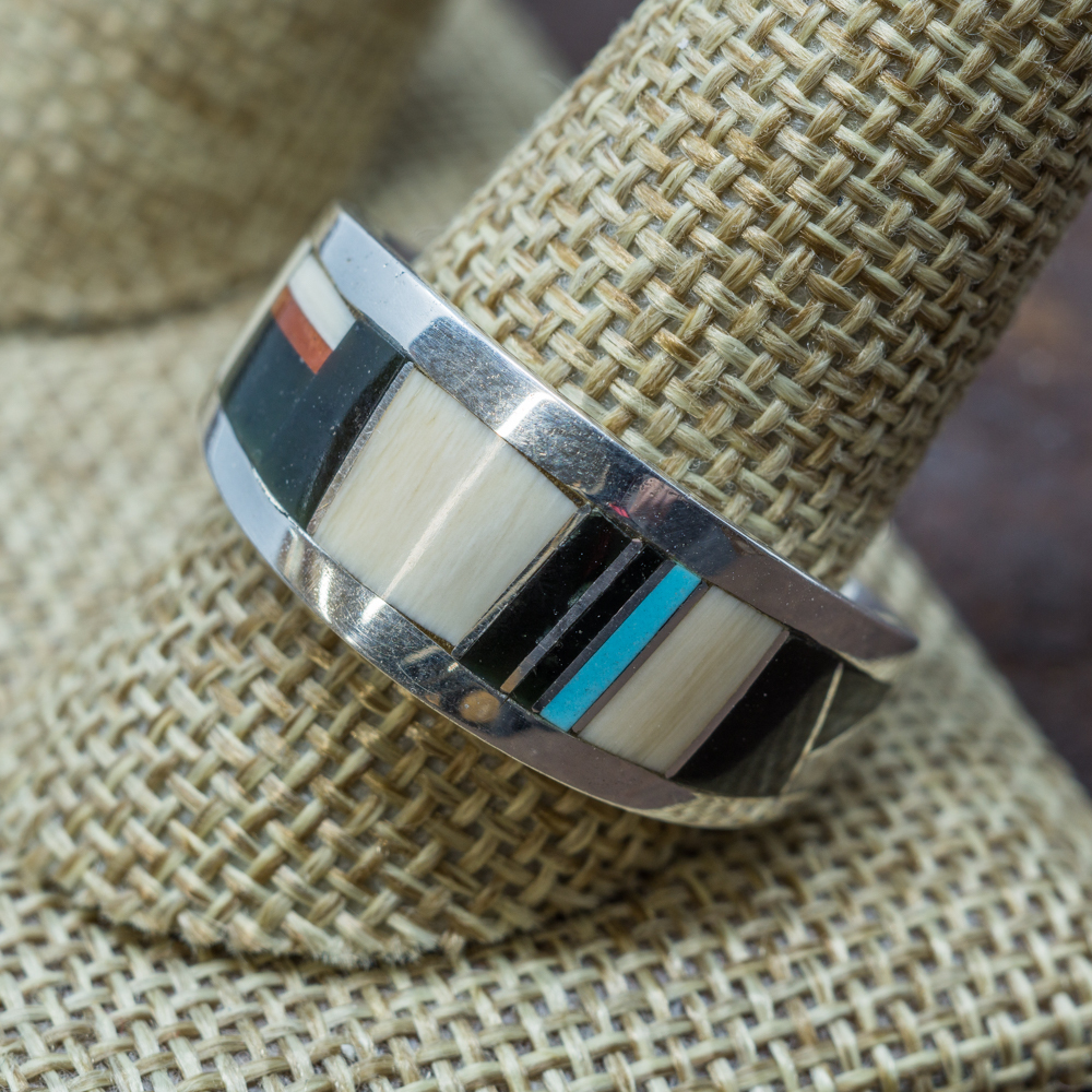 Tapered Multi-Stone Inlay Ring JE190090