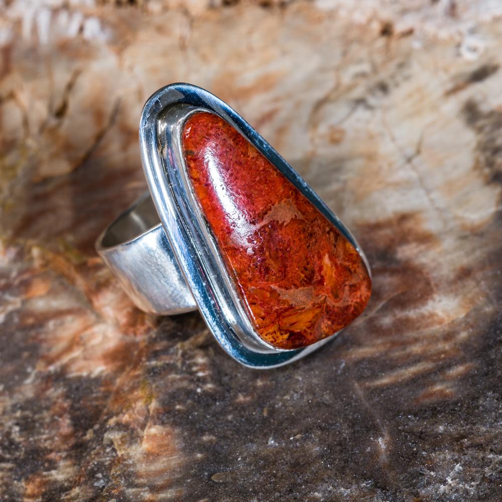 Tommy Jackson Apple Coral Ring JE200174