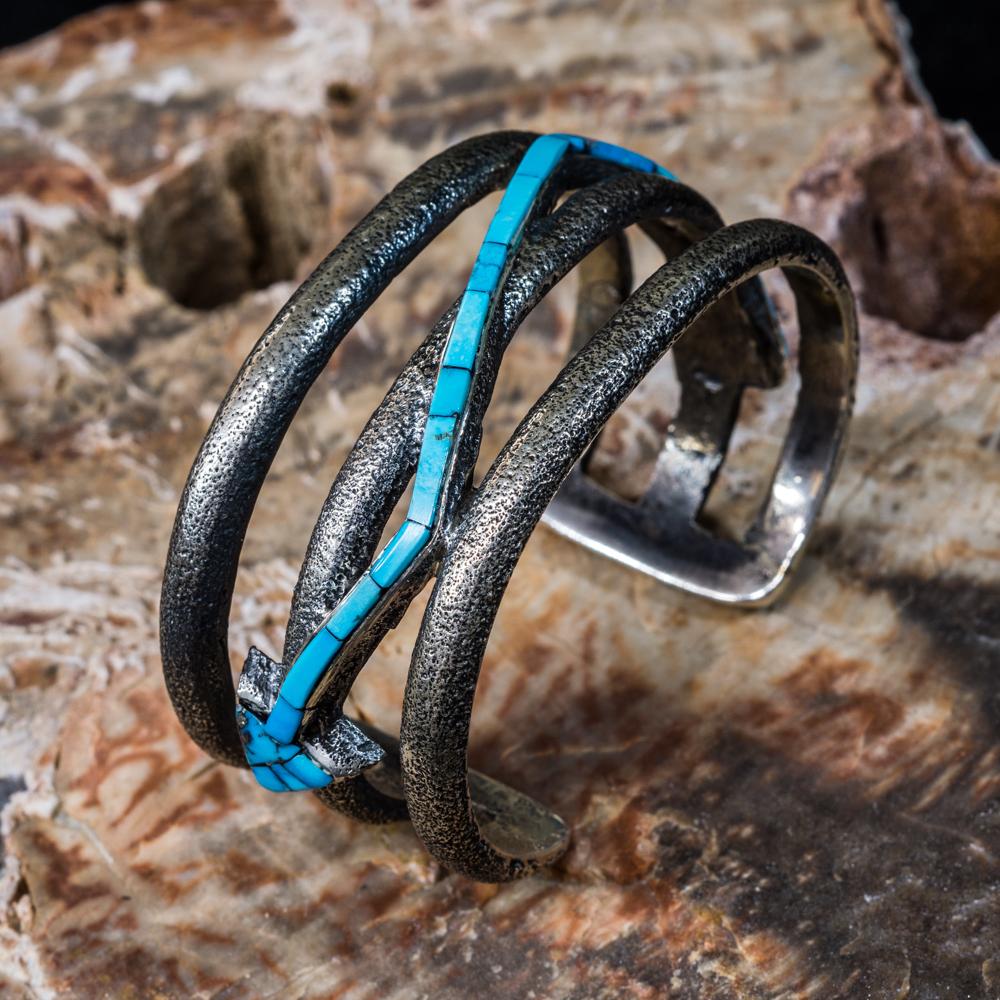 Kingman Turquoise Inlay Arrow Bracelet JE200177