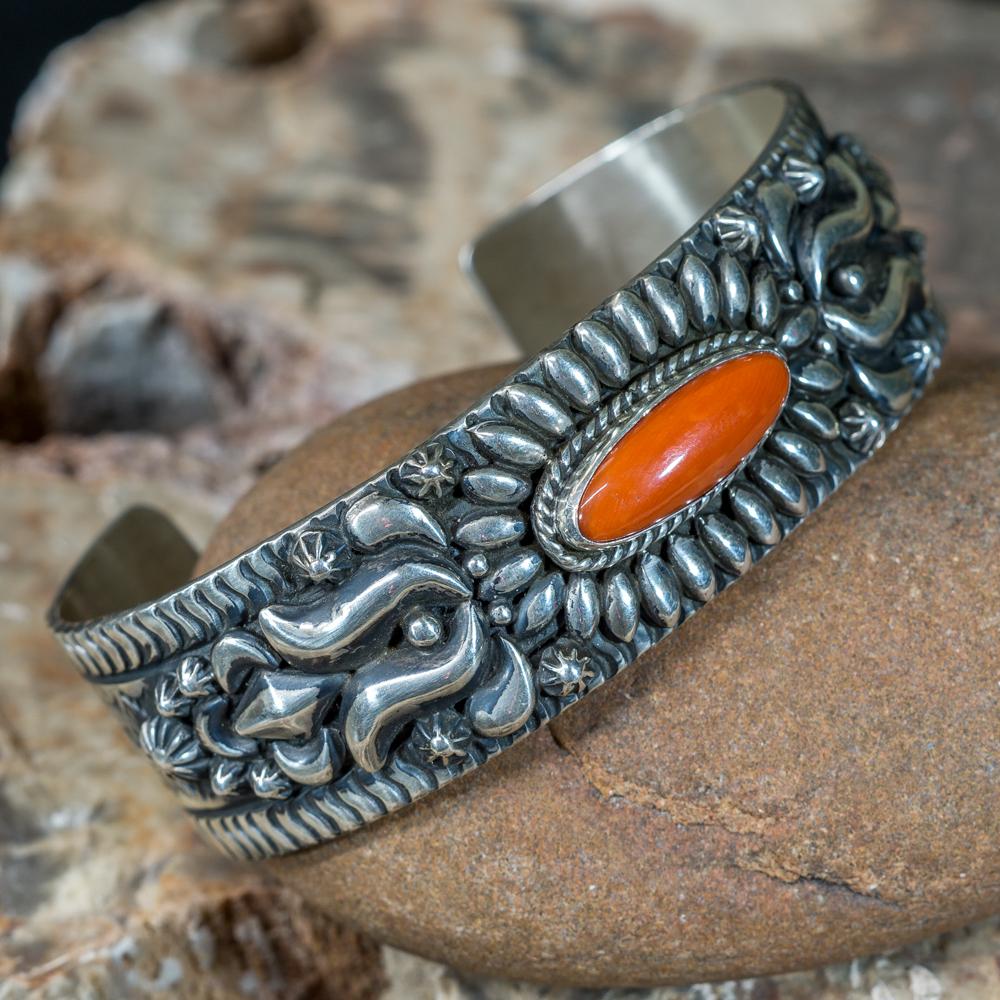 Stamped Becenti Coral Bracelet JE200180