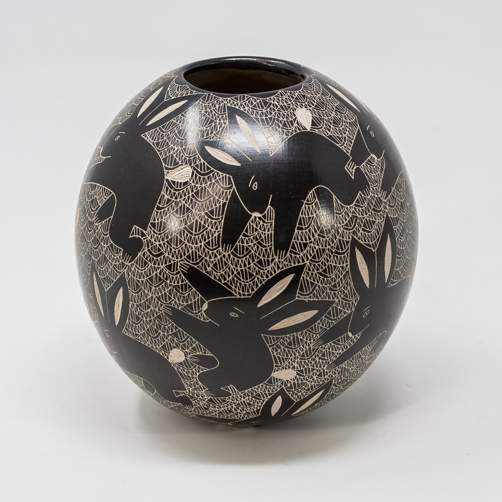 ​Mata Ortiz Pottery: Rabbits SO200017