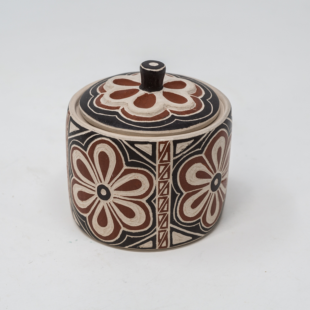 Mata Ortiz Pottery: Blossom