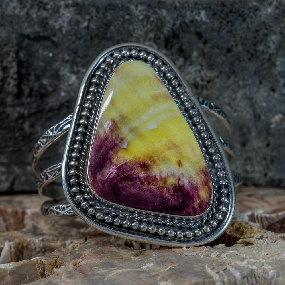 Yellow Purple Spiny Oyster Bracelet JE200270