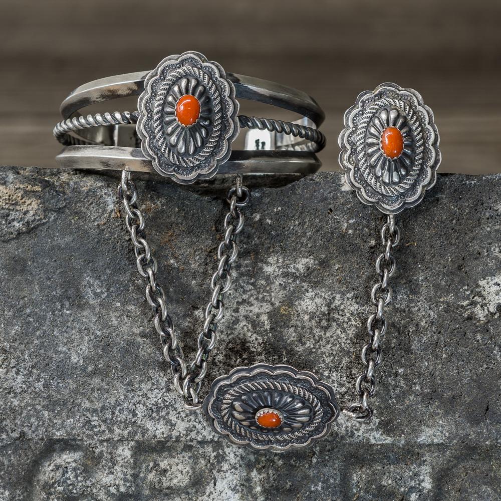 Coral Chain Bracelet by Marie Jackson JE200275