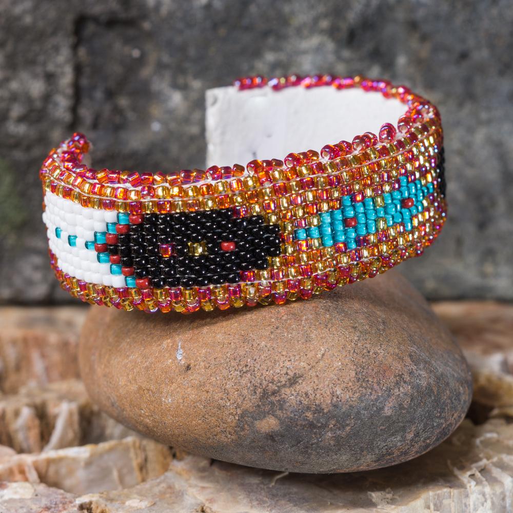 Apache Beaded Diamond & Feather Bracelet JE200284