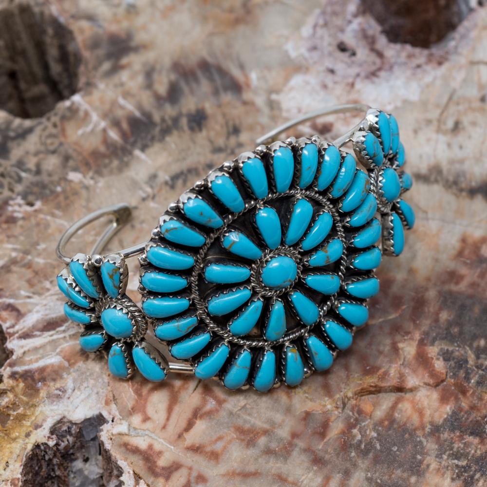 Kingman Turquoise Petit Point Bracelet JE200312