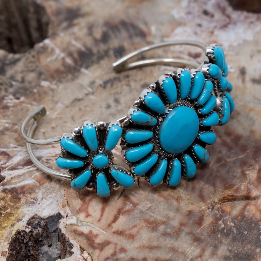 Kingman Turquoise Petit Point Bracelet JE200316