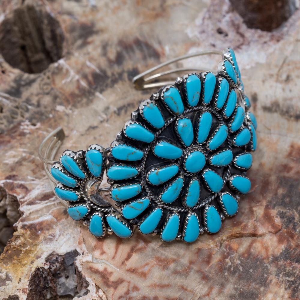 Kingman Turquoise Petit Point Bracelet JE200314