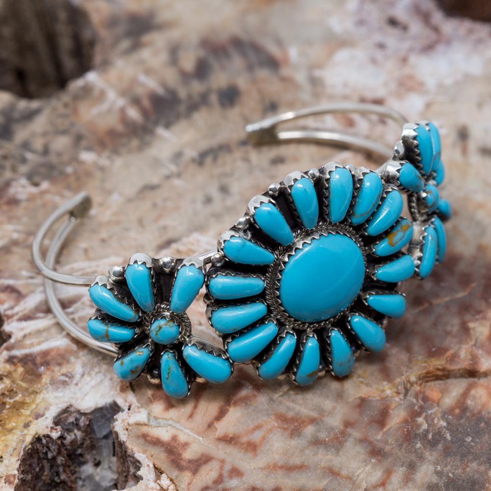 Kingman Turquoise Petit Point Bracelet JE200315