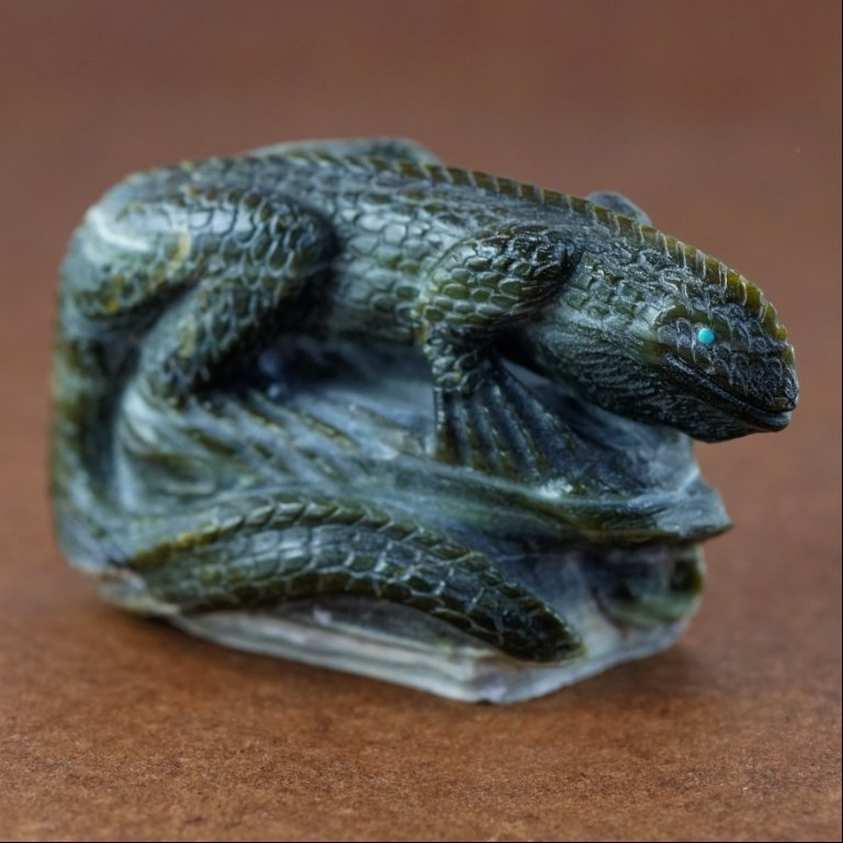 Zuni Richolite Iguana Fetish by Derrick Kaamasee GA170105