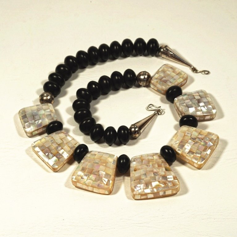 Mother of Pearl Necklace JE170100