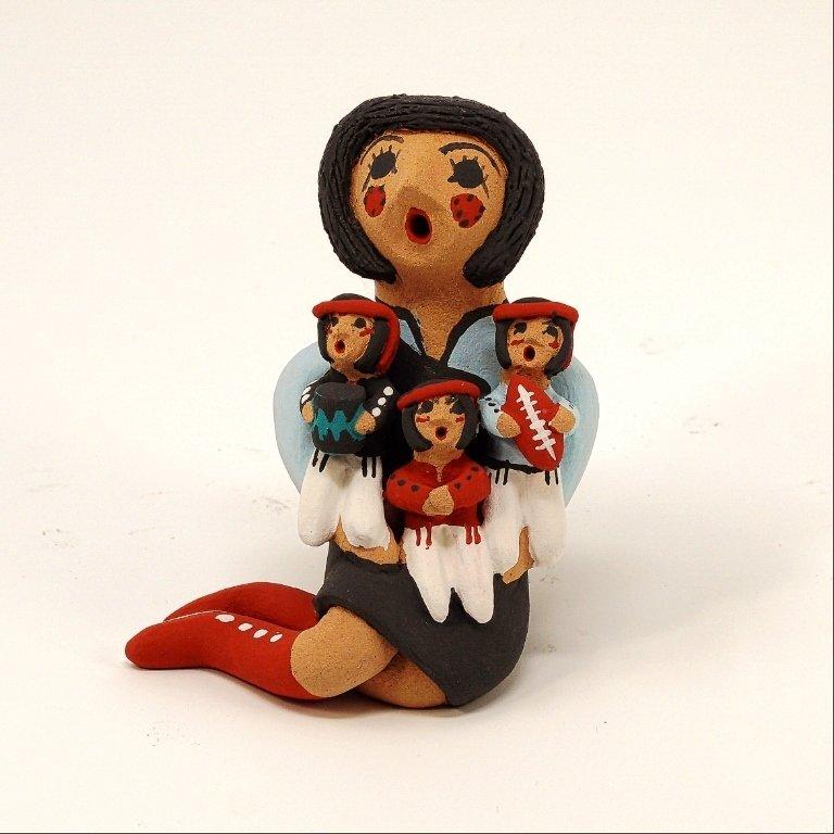 Pottery Storyteller Female GA170171
