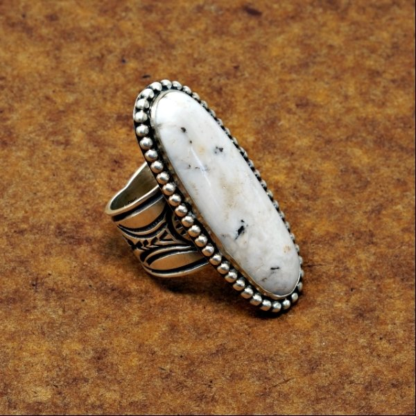 White Buffalo Ring JE170204