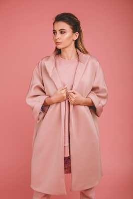 Женское пальто-кимоно из неопрена