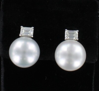 18KT 15.8 MM SOUTH SEA PEARL AND DIAMOND EARRINGS