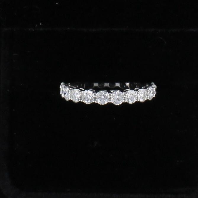 18KT 2.19 CT TW ROUND BRILLIANT DIAMOND ETERNITY BAND, SZ 6