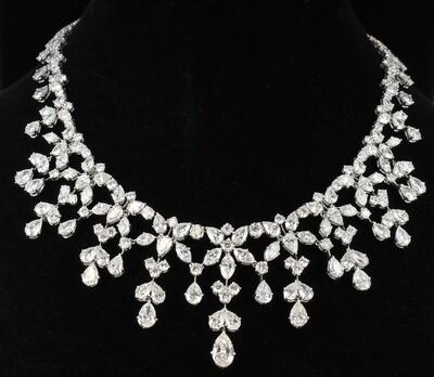 PLATINUM DIAMOND NECKLACE, 65.65 CT TW CIRCA 1960
