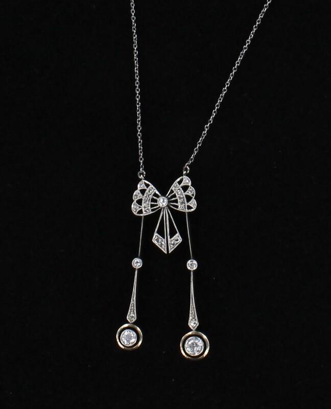 PLATINUM ART DECO DIAMOND LAVILIER
